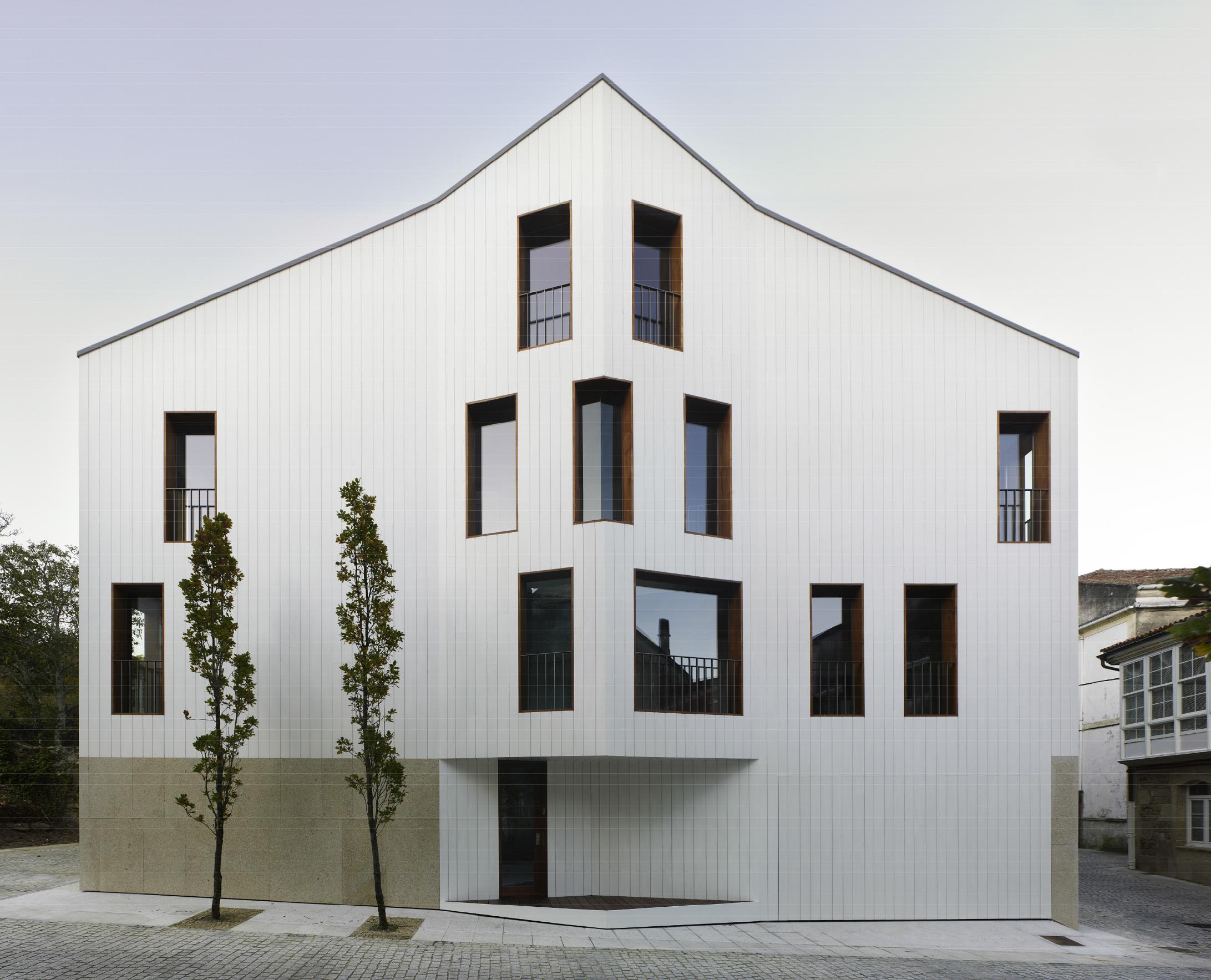 XIII-BEAU - España - Premiado - Casa Chao