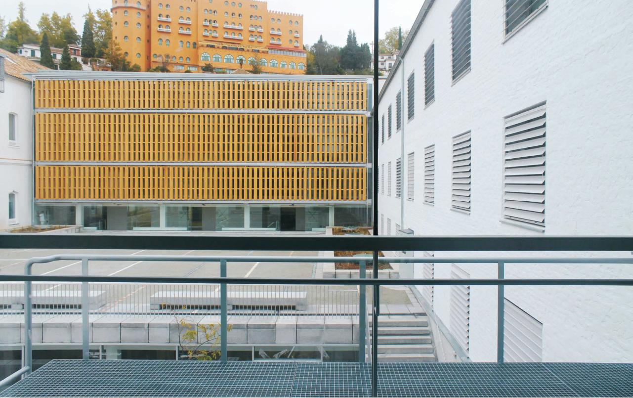 XIII-BEAU - España - Premiado - Escuela Técnica Superior de Arquitectura en el Antiguo Hospital Militar en Granada.